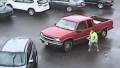 【ヤバい】車同士のトラブル、こんな奴が降りてきたらどうする?