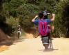 【馬鹿】下手くそがバイクのウイリー走行した結果。。